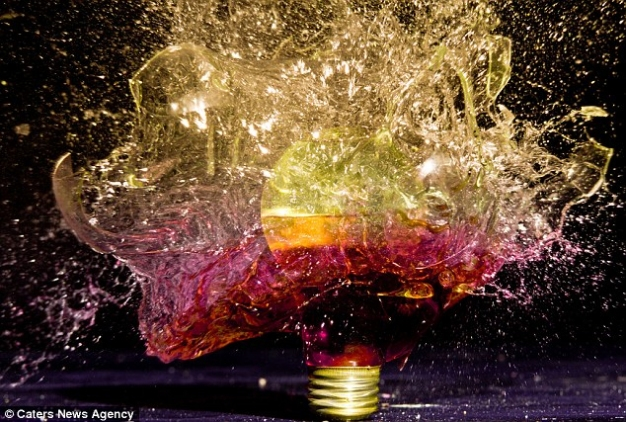 John-Smiths-Exploding-Light-Bulbs-4